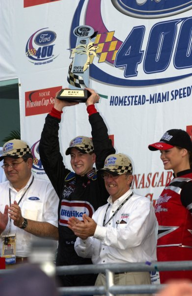 NASCAR Winton Cup Ford 400, Homestead-Miami Speedway, Homestead, Florida, USA 17 November,2002 Driver Kurt Busch and owner Jack Roush celebrate victory.Copyright-F Peirce Williams/MMP-Inc. 2002 LAT Photographic