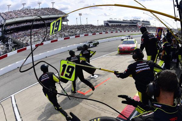 #19: Brandon Jones, Joe Gibbs Racing, Toyota Supra Menards/Atlas makes a pit stop