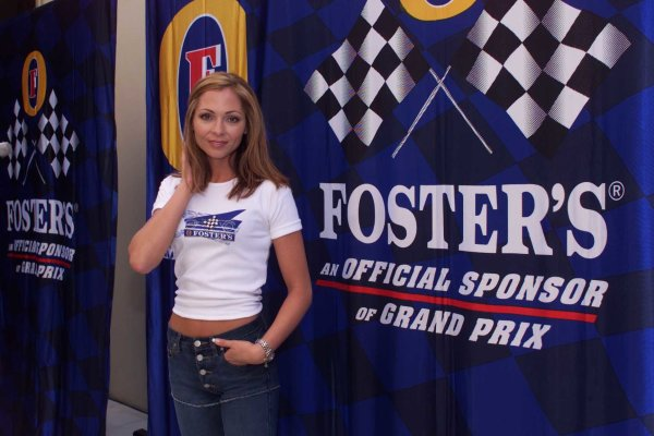 2000 Australian Grand Prix.Albert Park, Melbourne, Australia.10-12 March 2000.At a Fosters Sponsorship press conference, famous Australian television presenter and current 'face of Fosters' Tania Zaetta was present.World Copyright - LAT Photographic