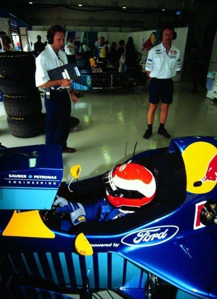1996 Spanish Grand Prix.Catalunya, Barcelona, Spain.31/5-2/6 1996.Johnny Herbert (Sauber C15 Ford).World Copyright - LAT Photographic