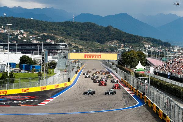Valtteri Bottas, Mercedes AMG F1 W09 EQ Power+ leads Lewis Hamilton, Mercedes AMG F1 W09 EQ Power+ and Sebastian Vettel, Ferrari SF71H