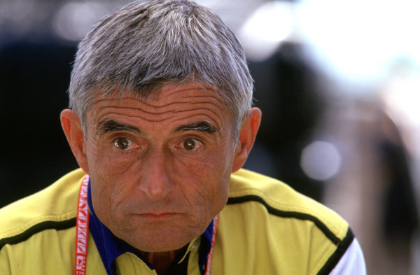 Australian Grand Prix.Albert Park, Melbourne, Australia. 2-4 March 2001.Director of Michelin Pierre Dupasquier.World Copyright - Lorenzo Bellanca/LAT Photographic ref: 35mm Image Aus A07