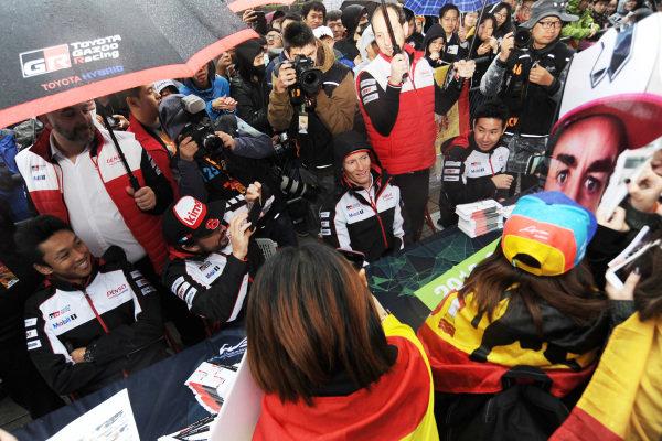 #8 Toyota Gazoo Racing Toyota TS050:  Fernando Alonso at the autograph session