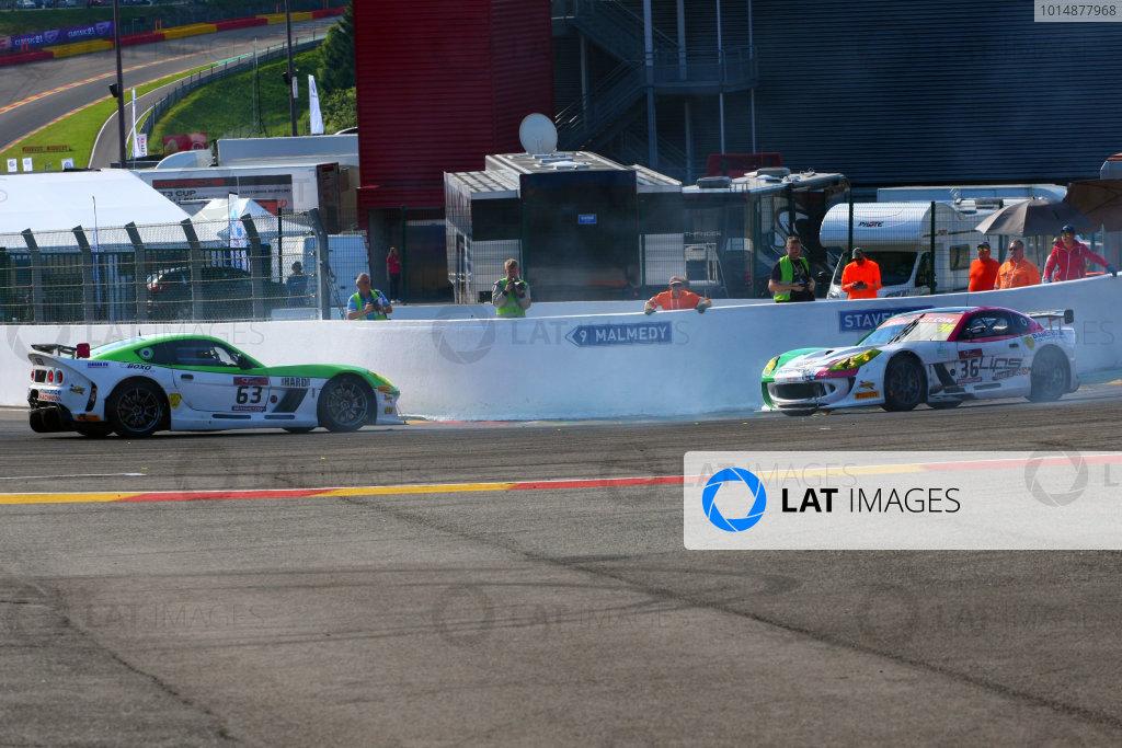 2017 British GT Championship, Spa-Francorchamps, Belgium. 7th - 8th July 2017. Jake Giddings / Matt Chapman - Autoaid/RCIB Insurance Racing - Ginetta G55 GT4 and Adam Hatfield / Benjamin Wallace - Autoaid/RCIB Insurance Racing - Ginetta G55 GT4 collide. World Copyright: JEP/LAT Images.