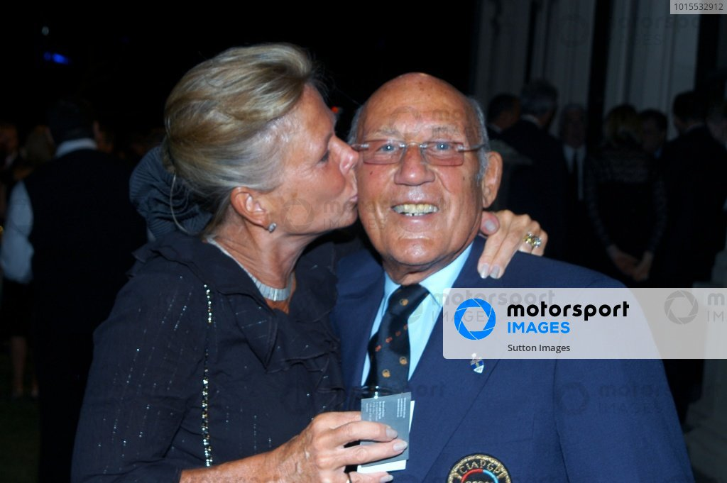 Stirling Moss (GBR) and wife Susie at the Government House Drinks Reception.