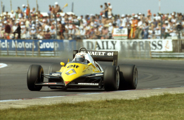 Silverstone, England.14-16 July 1983.Alain Prost (Renault RE40) 1st position at Woodcote.Ref-83 GB 03.World Copyright - LAT Photographic