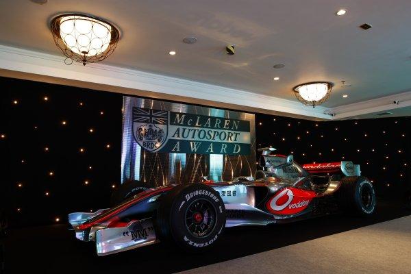 2007 Autosport AwardsGrosvenor House Hotel, Park Lane, London2nd December 2007.The McLaren Autosport BRDC Award awaits one of the six nominees tonight. Atmosphere.World Copyright: Andrew Ferraro/LAT Photographicref: Digtal Image _H0Y9954