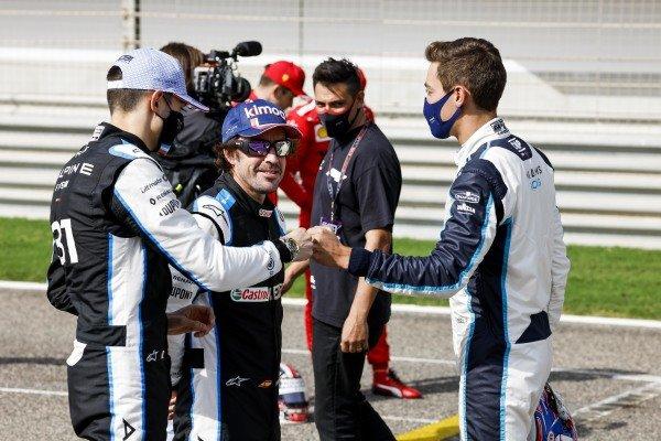Esteban Ocon, Alpine F1, Fernando Alonso, Alpine F1 and George Russell, Williams