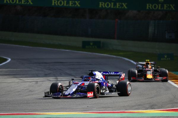 Daniil Kvyat, Toro Rosso STR14, leads Alexander Albon, Red Bull RB15