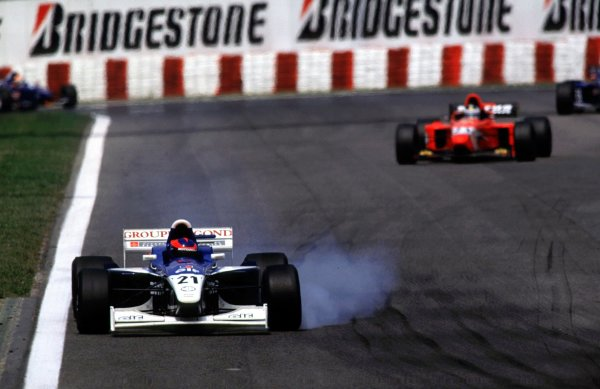 Franck Montagny locks a break as he leads Darren Manning. Circuit de Catalunya, Spain, 5 May 2000. World - LAT Photographic