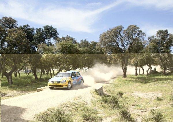 2006 FIA World Rally Championship.Round 7. 18th - 21st May 2006.Rally of Italy, Sardinia.Patrik Sandell, Renault, action.World Copyright: McKlein/LAT
