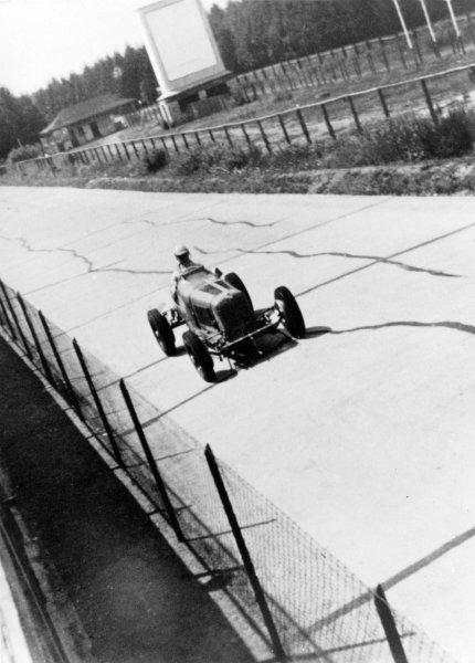 1935 German Grand Prix.Nurburgring, Germany. 28 July 1935.Raymond Mays/Ernst von Delius, ERA B-type, retired, action.World Copyright: Robert Fellowes/LAT PhotographicRef: 35GER02