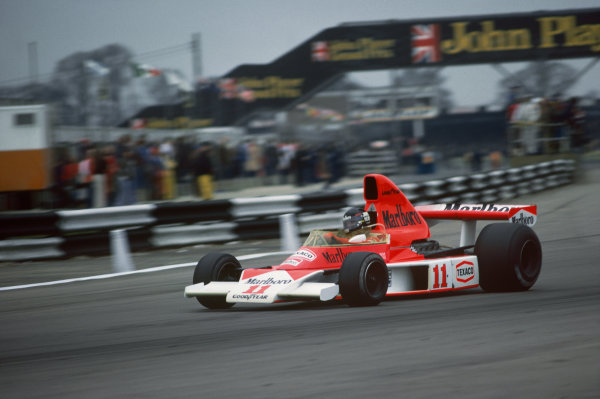 Silverstone, Great Britain. 11th April 1976. James Hunt (McLaren M23-Cosworth), 1st position, action.  World Copyright: LAT Photographic.  Ref:  76 INT 07.