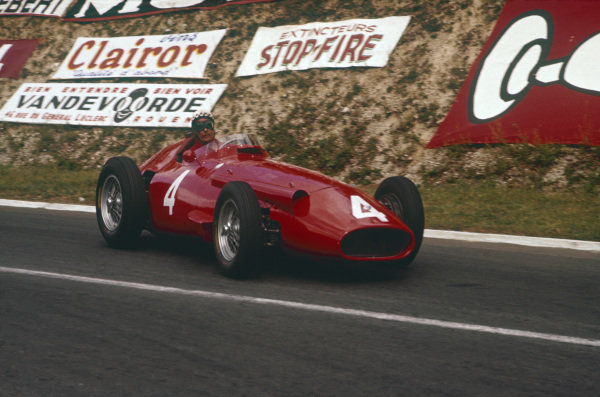 Rouen-Les-Essarts, France. 5-7 July 1957. Jean Behra (Maserati 250F) 5th position. Ref-57 FRA 03. World Copyright - LAT Photographic