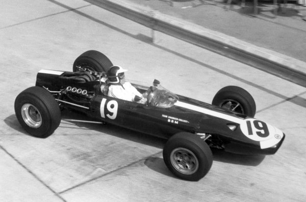 1966 Monaco Grand Prix.Monte Carlo, Monaco. 22 May 1966.Bob Bondurant, BRM P261, 4th position, action.World Copyright: LAT PhotographicRef: Motor b&w print