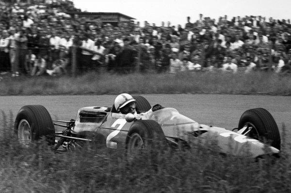 1965 Dutch Grand Prix.Zandvoort, Holland. 18 July 1965.John Surtees, Ferrari 1512, 7th position, action.World Copyright: LAT PhotographicRef: Motor b&w print