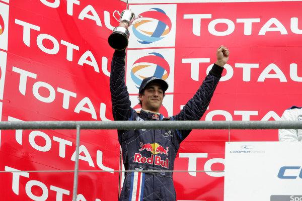 Spa Francorchamps, Belgium. 23rd - 25th July 2009.Daniel Ricciardo (AUS) - Carlin Motorsport Dallara Volkswagen.World Copyright: Ebrey/LAT Photographic.