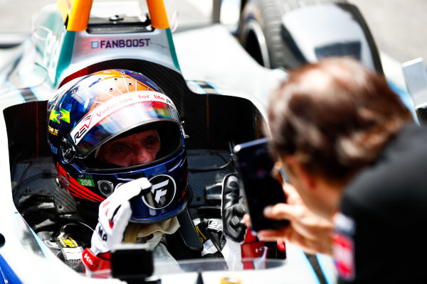 Emerson Fittipaldi, former F1 World Champion and Indy 500 winner, drives the Formula E car.