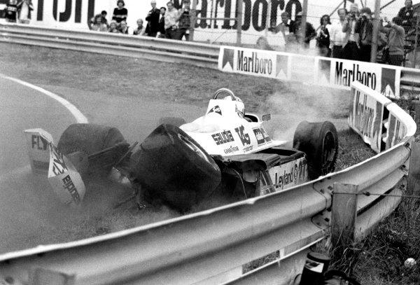 FIA formula One World Championship.1980 Dutch Grand Prix, Zandvoort, NetherlandsAlan Jones (Williams) crashes. Action.World Copyright: LAT Photographic.ref: 60mb B&W Scan.
