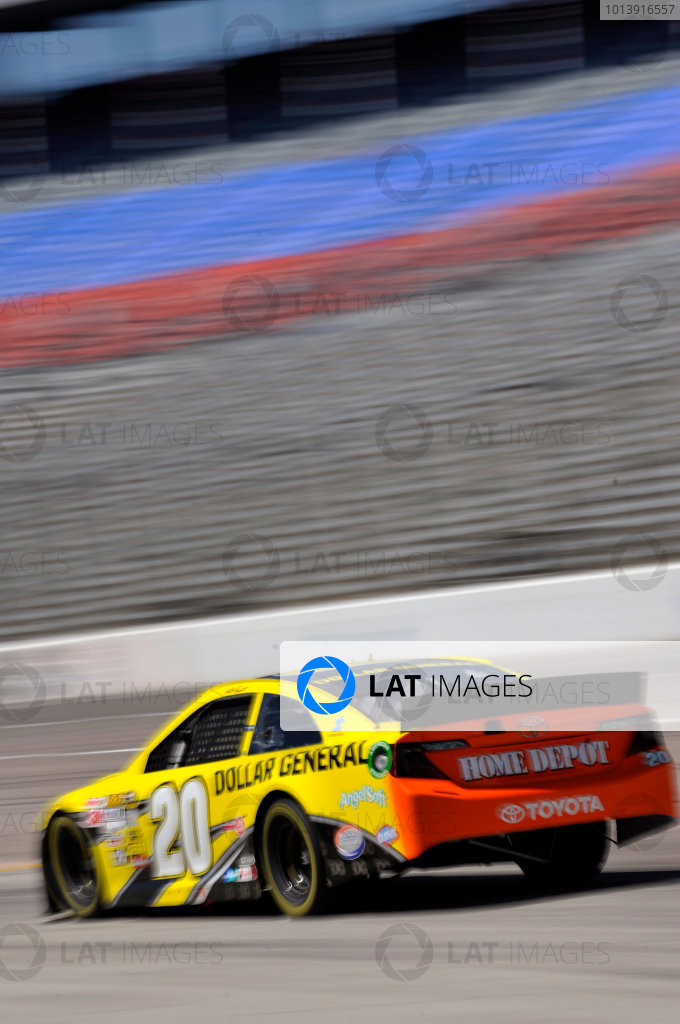 11-13 April, 2013, Fort Worth, Texas USA Matt Kenseth, Dollar General Toyota Camry ©2013, Nigel Kinrade LAT Photo USA