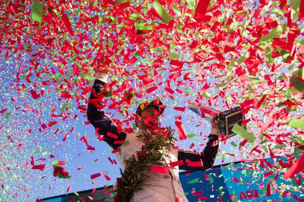 Confetti falls as Sam Bird (GBR), Envision Virgin Racing, 3rd position, celebrates on the podium