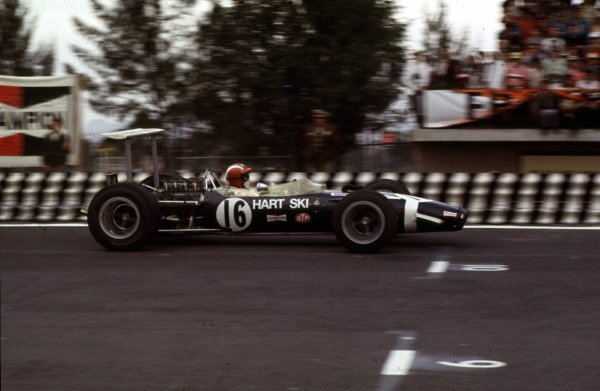 1968 Mexican Grand Prix.Mexico City, Mexico.1-3 November 1968.Jo Siffert (Lotus 49B Ford) 6th position.Ref-68 MEX 16.World Copyright - LAT Photographic