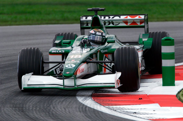 2001 Malaysian Grand Prix.Sepang, Kuala Lumpur, Malaysia. 16-18 March 2001.Eddie Irvine (Jaguar R2).World Copyright - Steve Etherington/LAT Photographic.ref: 18mb Digital Image