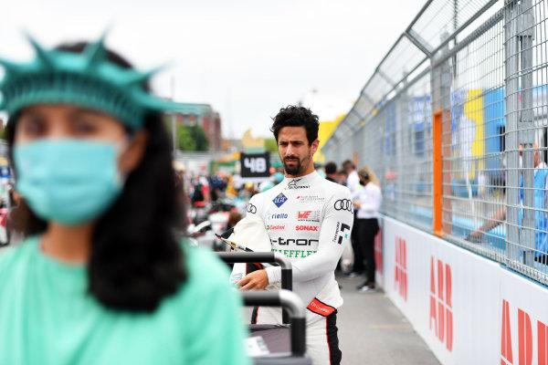 Lucas Di Grassi (BRA), Audi Sport ABT Schaeffler, on the grid