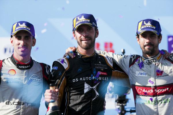 Championship winner Jean-Eric Vergne (FRA), DS TECHEETAH celebrates on the podium with Sébastien Buemi (CHE), Nissan e.Dams, 2nd position, and Lucas Di Grassi (BRA), Audi Sport ABT Schaeffler, 3rd position