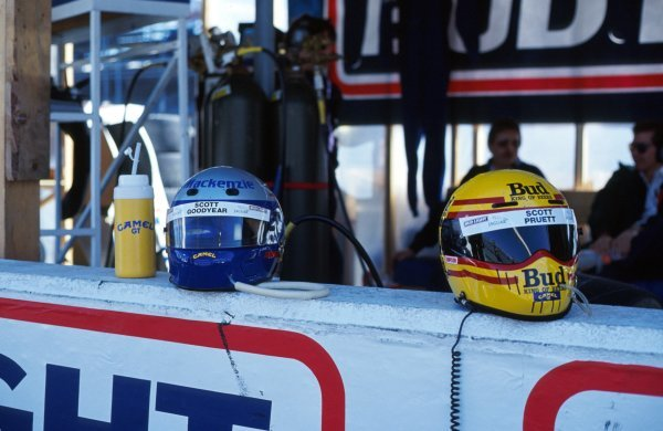 The helmets of Scott Goodyear (CDN) and Scott Pruett (USA) on the pitwall.