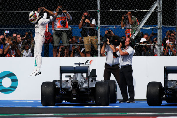Autodromo Hermanos Rodriguez, Mexico City, Mexico. Sunday 30 October 2016. Lewis Hamilton, Mercedes AMG, 1st Position, celebrates on arrival in Parc Ferme. World Copyright: Sam Bloxham/LAT Photographic ref: Digital Image _SLA5506
