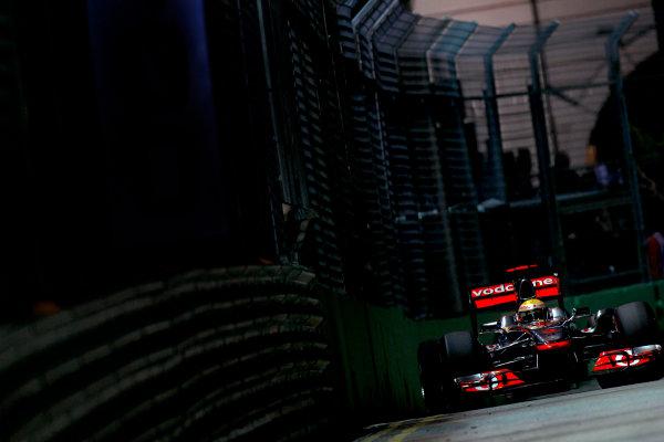 Marina Bay Circuit, Singapore.24th September 2011.Lewis Hamilton, McLaren MP4-26 Mercedes. Action. World Copyright:Glenn Dunbar/LAT Photographicref: Digital Image _G7C6658