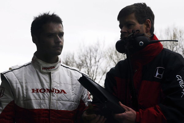 Andy Priaulx (GBR) testing the Honda Motorsport Honda Civic.British Touring Car Media Day, Brands Hatch, England.19 March 2002.
