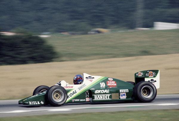 1985 Austrian Grand Prix.Osterreichring, Zeltweg, Austria.16-18 August 1985.Kenneth Acheson (Ram 03 Hart).Ref-85 AUT 34.World Copyright - LAT Photographic