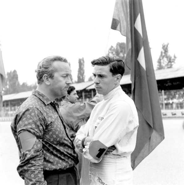 1960s F1 World Championship.Colin Chapman and Jim Clark.Ref-10311.World Copyright: LAT Photographic