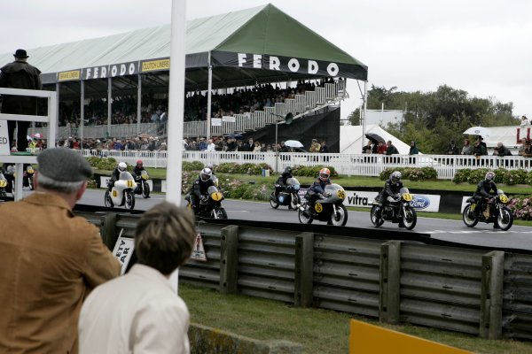 2006 Goodwood Revival Meeting. Goodwood, West Sussex. 2nd - 3rd September 2006 Barry Sheene Memorial Trophy.Fred Walmsie 1, Chas Mortimer 36, Niall Mackenzie 21 and Malcolm Clark 29 await the off.World Copyright: Gary Hawkins/LAT Photographic ref: Digital Image Only