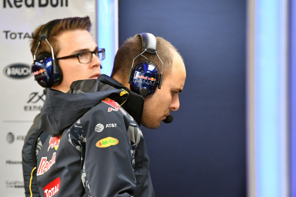 Gianpiero Lambiase (ITA) Red Bull Racing Race Engineer at Formula One World Championship, Rd19, Mexican Grand Prix, Practice, Circuit Hermanos Rodriguez, Mexico City, Mexico, Friday 28 October 2016.