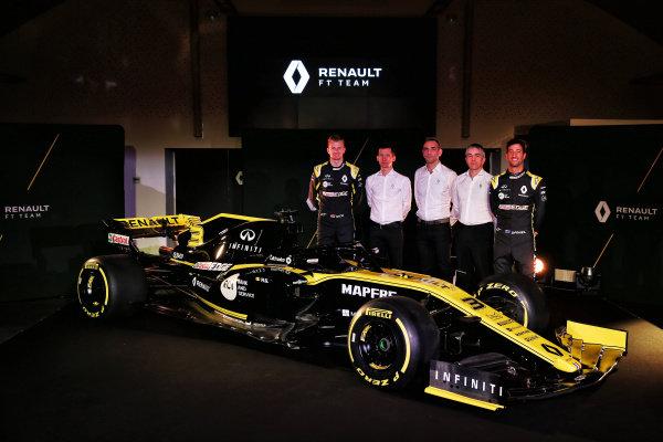 (L to R): Nico Hulkenberg, Renault Sport F1 Team, Remi Taffin, Head of Renault Sport F1 Track Operations, Cyril Abiteboul, Renault Sport F1 Managing Director, Nick Chester, Renault Sport F1 Team Technical Director and Daniel Ricciardo, Renault Sport F1 Team with the new Renault Sport F1 Team R.S. 19