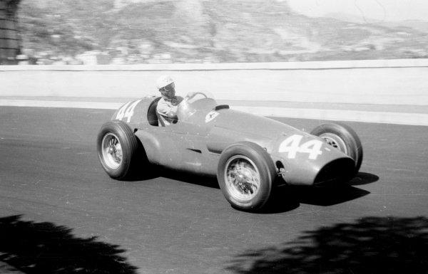 1955 Monaco Grand Prix.Monte Carlo, Monaco. 19-22 May 1955.Maurice Trintignant (Ferrari 625) 1st position. Ref-289/20.World Copyright - LAT Photographic