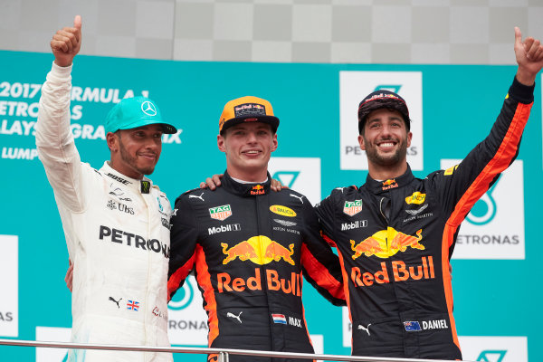 Sepang International Circuit, Sepang, Malaysia. Sunday 1 October 2017. Lewis Hamilton, Mercedes AMG, 2nd Position, Max Verstappen, Red Bull, 1st Position, and Daniel Ricciardo, Red Bull Racing, 3rd Position. World Copyright: Steve Etherington/LAT Images  ref: Digital Image SNE11955