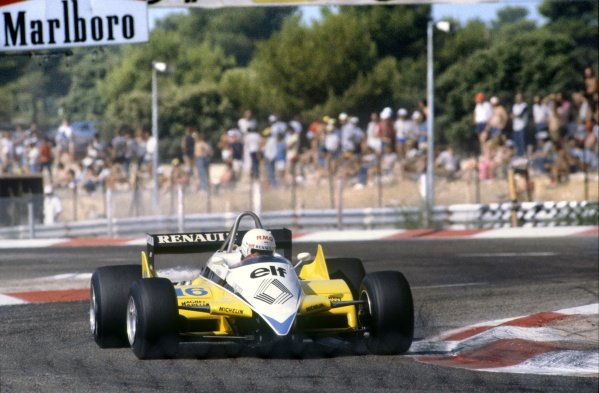 1982 French Grand Prix.Paul Ricard, France. 25 July 1982.Rene Arnoux, Renault RE30B, 1st position, action.World Copyright: LAT Photographic. Ref: 82FRA32