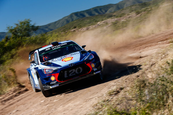 2017 FIA World Rally Championship, Round 05, Rally Argentina, April 27-30, 2017, Thierry Neuville, Hyundai, Action, Worldwide Copyright: McKlein/LAT
