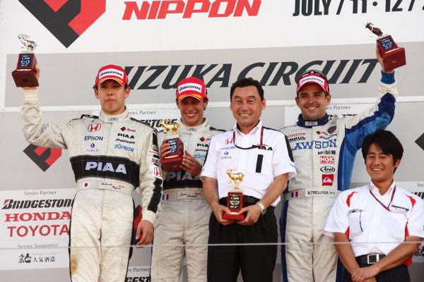 2009 Formula Nippon Championship.Suzuka, Japan. 11th - 12th July 2009.Rd5  - Winner Loic Duval ( #31 NAKAJIMA RACING ), 2nd position Takashi Kogure ( #32 NAKAJIMA RACING ), 3rd position Benoit Treluyer ( #2 LAWSON TEAM IMPUL ) and team director Satoru Nakajima , podium, portrait .World Copyright: Yasushi Ishihara/LAT Photographicref: Digital Image 2009FN_Rd5_007