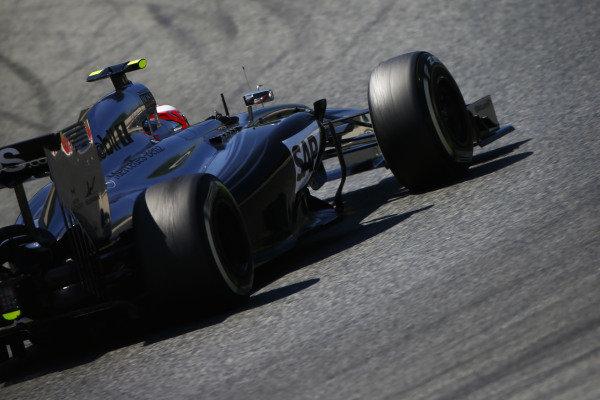 Circuit de Catalunya, Barcelona, Spain. Friday 9 May 2014. Kevin Magnussen, McLaren MP4-29 Mercedes. World Copyright: Andy Hone/LAT Photographic. ref: Digital Image _ONY8607