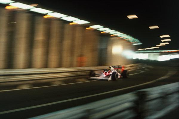 1989 Monaco Grand Prix. Monte Carlo, Monaco. 4-7 May 1989. Ayrton Senna (McLaren MP4/5 Honda) 1st position, in the Tunnel, action.  World Copyright: LAT Photographic. Ref:  89 MON 17.
