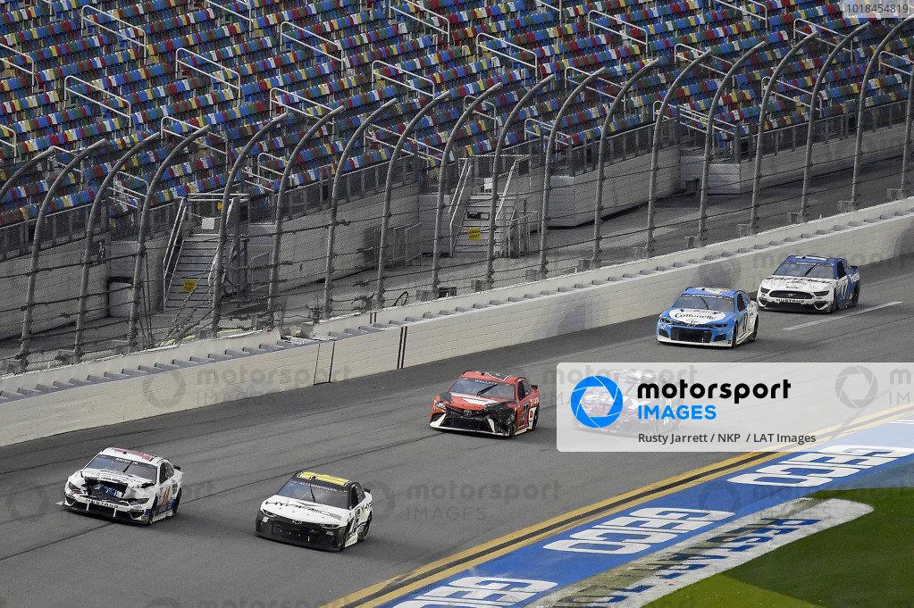#16: A.J. Allmendinger, Kaulig Racing, Chevrolet Camaro Ellsworth Advisors and #14: Chase Briscoe, Stewart-Haas Racing, Ford Mustang Ford Performance Racing School