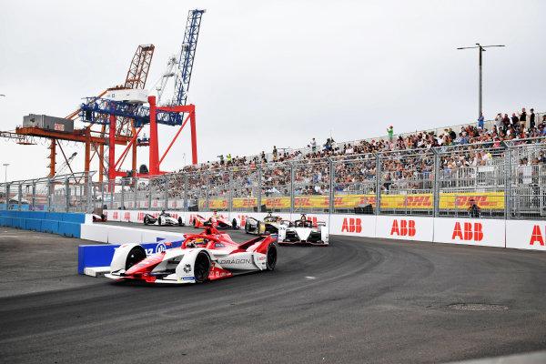 Sergio Sette Camara (BRA), Dragon Penske Autosport, Penske EV-5,  Pascal Wehrlein (DEU), Tag Heuer Porsche, Porsche 99X Electric