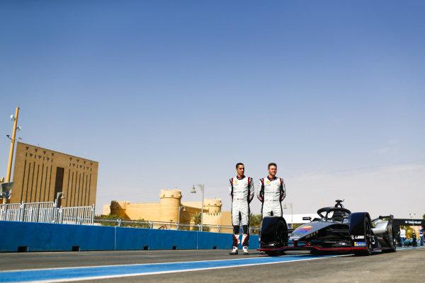 Sébastien Buemi (CHE), Nissan e.Dams, and Oliver Rowland (GBR), Nissan e.Dams, pose for a photo