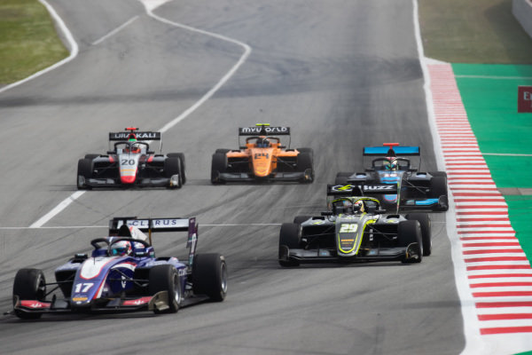 Devlin DeFrancesco (CAN, Trident) and Teppei Natori (JPN, Carlin Buzz Racing)