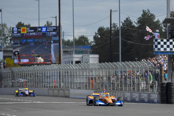 #10: Alex Palou, Chip Ganassi Racing Honda, Checkered Flag, Winner